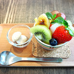 おうちカフェ frukt - ミニプリンアラモード アーモンドクッキー付き