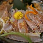 生け簀の甲羅 - カニ刺し