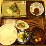 79989890 - 焼魚定食 680円