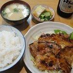 むらこし食堂 - 焼肉定食 780円