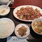 7999344 - (5/24)鶏肉のカレー風味炒め