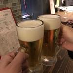 イタリア大衆食堂 堂島グラッチェ - まずは2人で乾杯!
