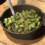 イタリア大衆食堂 堂島グラッチェ - 枝豆のペペロンチーノ300円(税別)