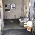 White Room Udon-Ya - 1階 入口付近