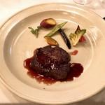 レストラン フェメゾン - 牛フィレ肉のポワレ 赤ワインソース