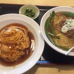錦福香 - 料理写真:天津飯+台湾ラーメン+漬物