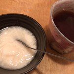ニチニチ - ニチニチ(杏仁豆腐、ホットウーロン茶)