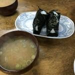 とっぱの焼きそば - お味噌汁も素朴で旨い。