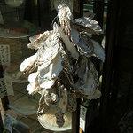 とんかつ 末吉 - 牡蠣のカラ