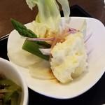 サバァイ - ランチのサラダ