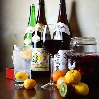 そして、地酒と自家製サングリアと季節のサワー