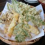 そば処 よしぶ - まいたけ天ぷら盛(単品)