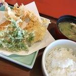 天ぷら家 - 本日のA定食 (えび ゴボウ あなご 春菊 とり天 かぼちゃ)