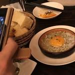 スペイン料理 3BEBES - シラスのアヒージョ440円