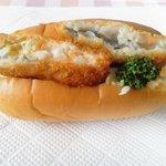 ブレッドハウスあん・どぅ - 白身魚ドックパン