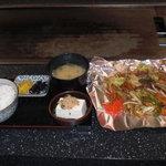 笑 - 野菜炒め定食(ランチのみ)