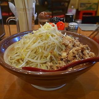 階杉 - 料理写真:杉二郎大の麺増し(4玉)