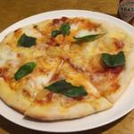クスクスとピザとワインのお店 セットグー - マルゲリータ