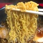 九州ラーメン 火の車 - 麺