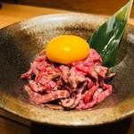 肉酒場 肉僧 - A5ランク和牛のレアステーキユッケ風¥1180