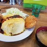 キッチン男のロマン - Wオムライス 税込950円