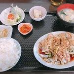 栄耀 - 料理写真:日替わりC(油淋鶏)¥750