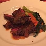 シーブリーズ - 牛ハラミ肉のグリル オニオン風味のソース