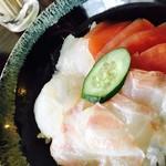 まぐろや 柳橋 - ネタが選べる三色丼¥1000(税込) 赤出し付き (天然まぐろ、鯛、あと何だっけ?)