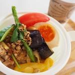 カフェ モーツァルト メトロ - 野菜もりもりガパオライス