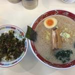 元気ラーメン 夢一杯 - 高菜飯セット(810円)
