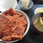 昭和園 - Wソースかつ丼  1500円
