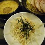 ゴル麺。 - チャーシュー黄金つけ麺、ネギ丼