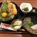 マルヤス水産 - 鶏天丼&ミニ蕎麦(温)セット