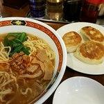 曽さんの店 - 台湾ラーメンと半餃子