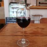 イオタ デリアンドカフェ - グラスワイン赤
