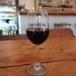 イオタ デリアンドカフェ - 旅するワイン赤(レバノン)