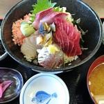 なぶら - 海鮮丼¥1,300