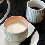 朝日堂 - デザートの抹茶プリン(定食に含まれます)