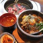 農園レストラン みやもとファーム - 石焼ビビンバランチ(スネ肉)1050円