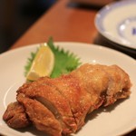 鴻 - 鶏モモ肉のパリサク揚げ