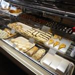 ぱんと洋菓子 オリムピックパン - ケーキもあります