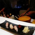 SUSHI BAR THE ƎND -縁戸- - おまかせ寿司4貫