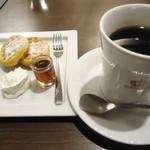 オスロ コーヒー - 北欧ワッフル