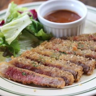 自慢の肉「ランチ」揃えています。ステーキ、丼もの、カレー他
