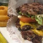 Burgers Cafe I-FIVE  - プロテインバーガー
