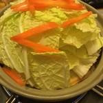 居酒屋あさひ奈 - びっくり白菜鍋