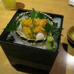 北の味紀行と地酒 北海道 - 生ウニの刺身です。