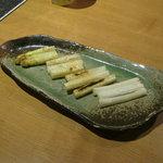 北の味紀行と地酒 北海道 - ホワイトアスパラの岩塩焼きです。