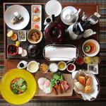 ザ・ルイガンズ - 料理写真:ルームサービスの朝食