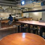 BERTH COFFEE - 今のコーヒースタンドの匂いとホステルの無国籍でカジュアルな空気感、両方を兼ね備えたお洒落さ3